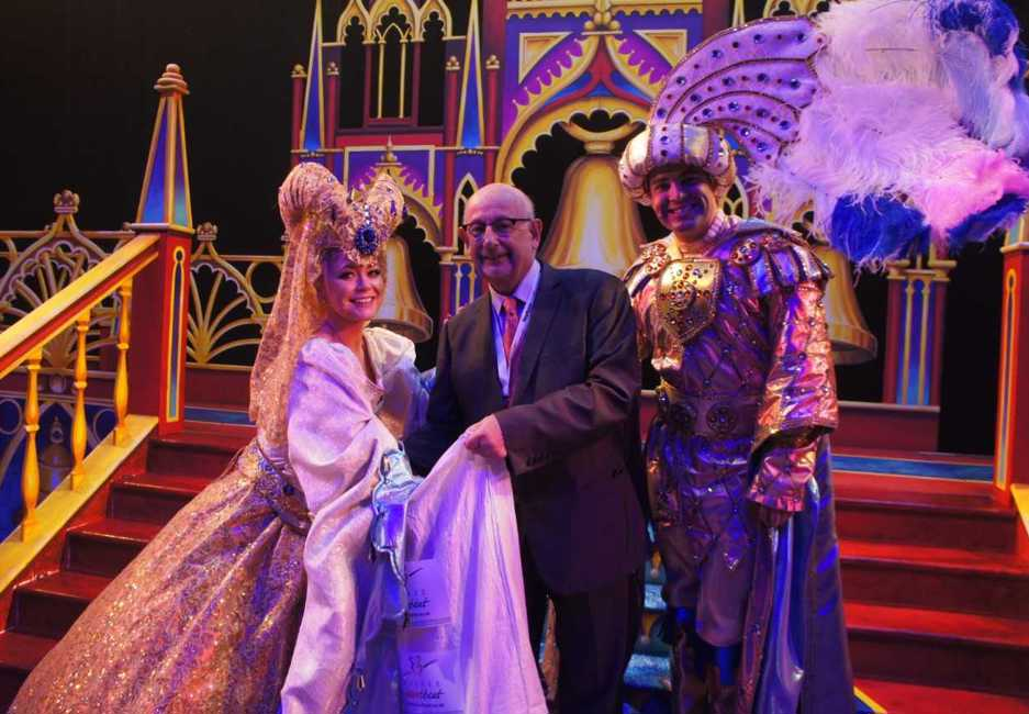 Stars from Mayflower Panto draw winning Grand Prize tickets