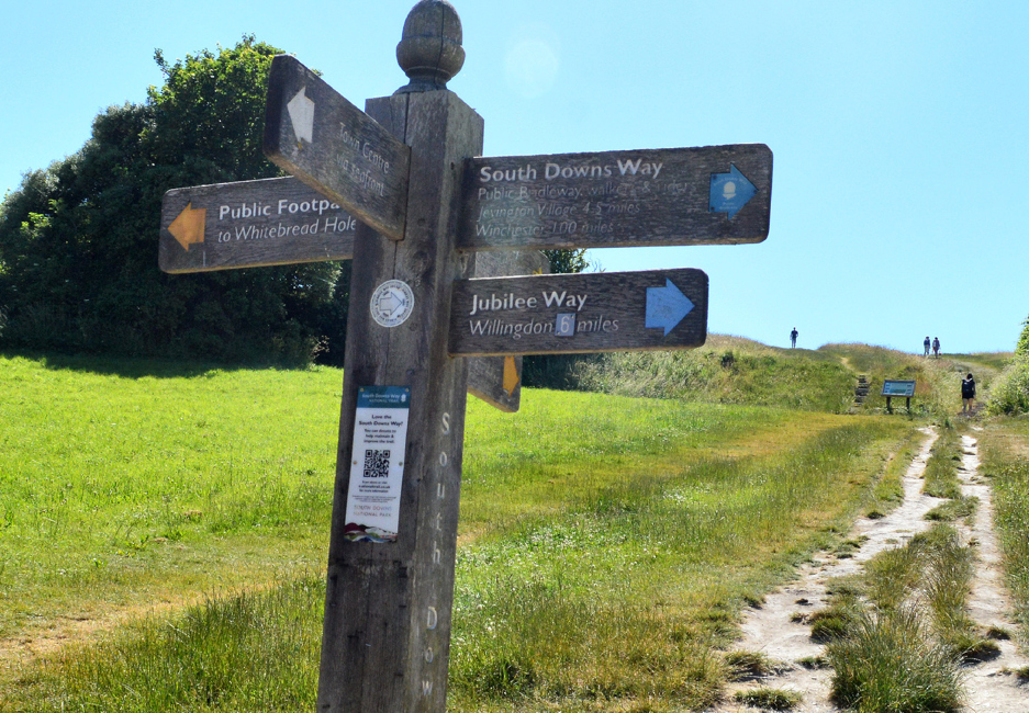 Bill Blain aims for £10k with South Downs Way walk!